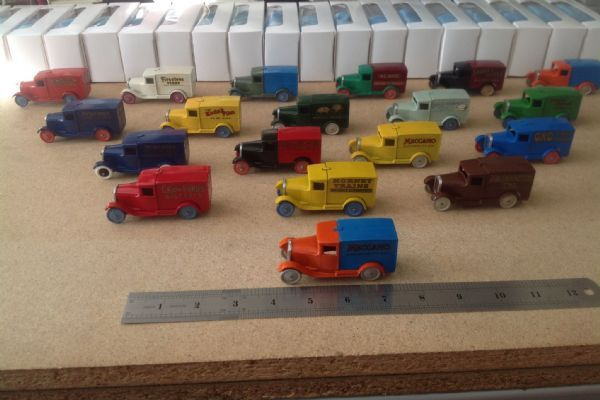 "Dinky Toys Reproduction 28 Series Type 1 ""Special Edition"" Delivery Vans Set"